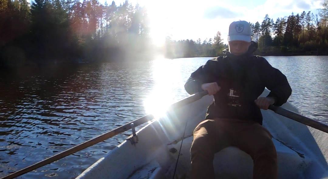 Lohenrenkaalla kalastusta